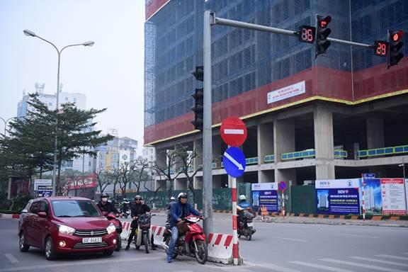 Bí quyết lái xe tiết kiệm nhiên liệu trong phố đông - 4