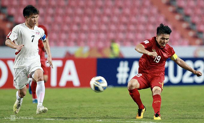 Quang Hải không thể tỏa sáng như giải đấu năm 2018. Ảnh: Đức Đồng