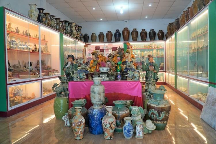 Bộ sưu tập gốm sứ cổ trong bảo tàng tư nhân của ông Nguyễn Ngọc Ẩn. Ảnh: Việt Quốc
