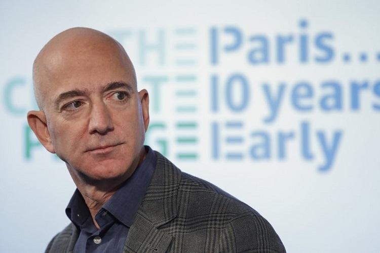 Tỷ phú giàu nhất thế giới Jeff Bezos tại cuộc họp báo ở Washington hồi tháng 9/2019. Ảnh: AP.