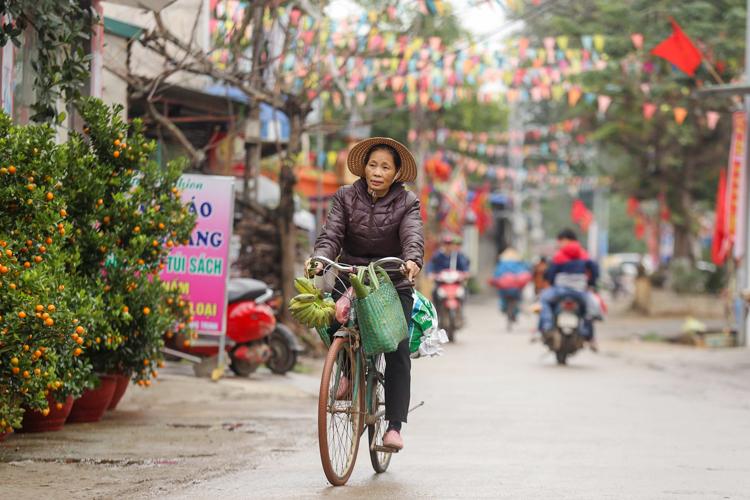 Đường làng thôn Hoành chiều 19/1. Ảnh: Phong Vân.