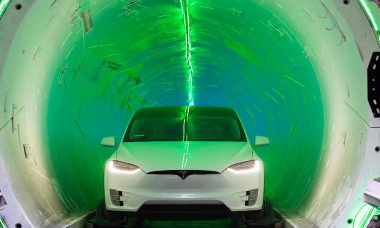 Xe điện Tesla trong đường hầm tốc hành của Elon Musk. Ảnh: The Boring Company