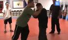 Cao thủ kungfu Trung Quốc bẽ mặt vì cố điểm huyệt võ sĩ Muay Thái