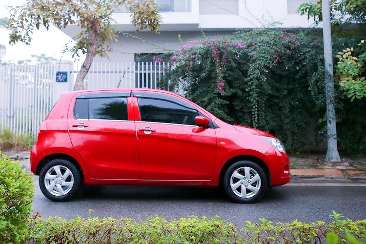 Suzuki Celerio sở hữu kích thước nhỏ gọn, phù hợp với cung đường nội đô.