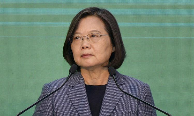 Lãnh đạo Đài Loan Thái Anh Văn họp báo tuyên bố chiến thắng ở Đài Bắc hôm 11/1. Ảnh:AFP.