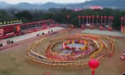 Người Trung Quốc mở hội đón Tết