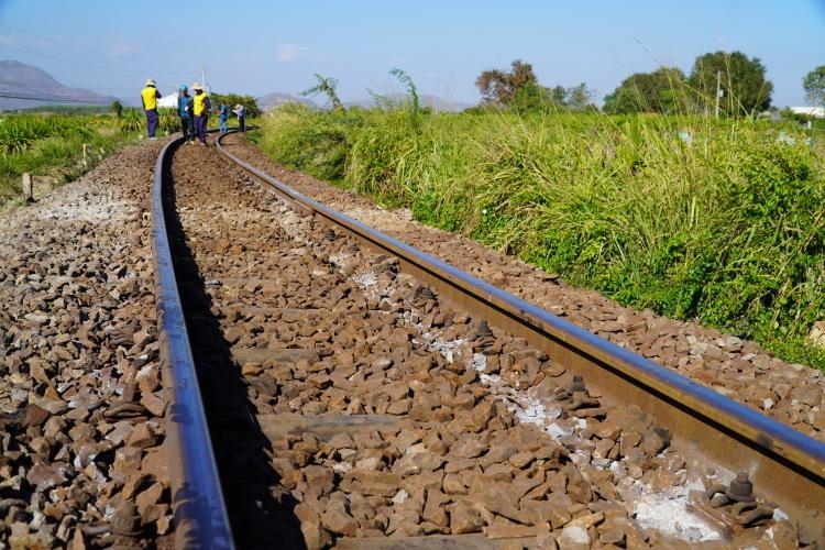Sự cố xảy ra trên đoạn đường cong cách ga Mương Mán (Bình Thuận)chưa đầy 1 km. Ảnh: Việt Quốc