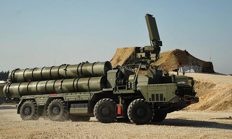 Radar 96L6 (sau) được Nga đặt tại căn cứ Hmeymim, Syria hồi năm 2017. Ảnh: Sputnik.