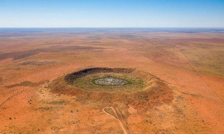Hố Yarrabubba ở Western Australia. Ảnh: ABC.