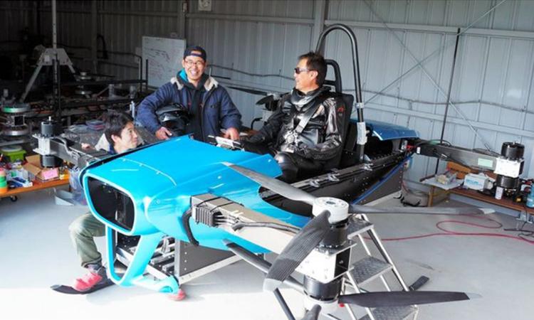 Mẫu thử nghiệm của xe bay có người láido SkyDrive phát triển. Ảnh: Asahi.