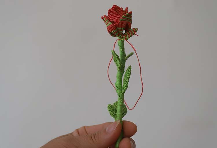 Bông hoa handmade mà Yến Ngọc tự kết để tặng luật sư Tuấn. Ảnh: Đức Hùng