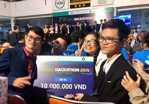 Học đại học CNTT sớm, nhiều học sinh tại FUNiX tỏ ra không hề thua kém khi giành giải thưởng caotrong những cuộc thi lập trình dành cho sinh viên.