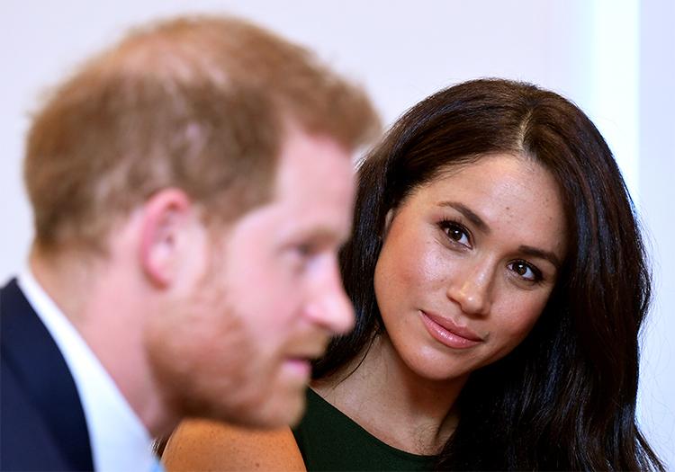 Vợ chồng Harry - Meghan tại London, Anh tháng 1/2020. Ảnh: Reuters.