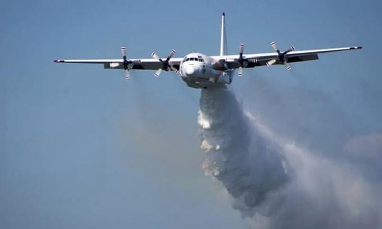 Một máy bay Hercules C-130 của Sở cứu hỏa Nông thôn New South Wales. Ảnh: AP.