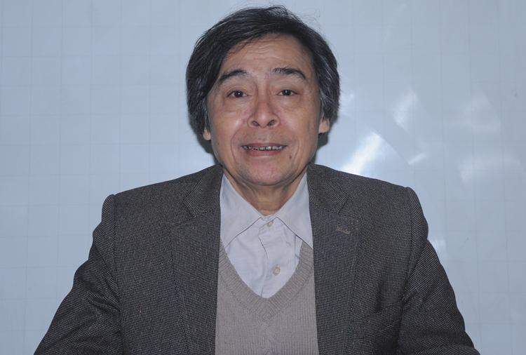 Nhà nghiên cứu văn hoá dân gian Nguyễn Hùng Vĩ. Ảnh: Viết Tuân