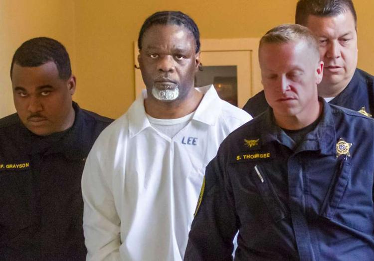 Ledell Lee (áo trắng) trình diện trong phiên tòa xin hoãn thi hành án tử hình vào năm 2017. Ảnh: Benjamin Krain/AP.