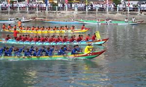Lễ hội đua thuyền ngày Tết ở Phan Thiết