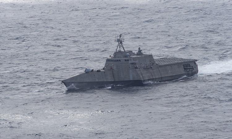 Tàuchiến đấu ven biểnUSS Montgomery hoạt độngtại Biển Đông hôm 25/1. Ảnh: Navy Photo.