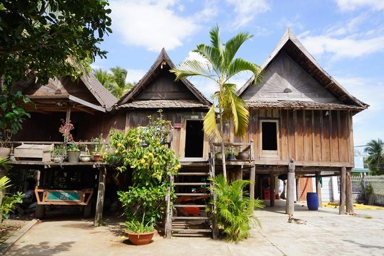 Căn nhà Amakong sống những ngày cuối đời ở buôn Trí A. Ảnh: Trần Hóa.