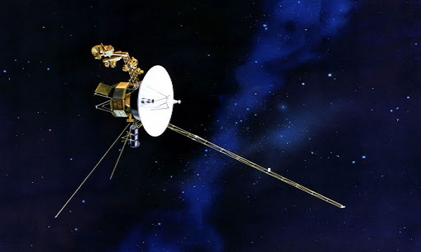 Tàu Voyager 2 đang bay trong vũ trụ. Ảnh: NASA.