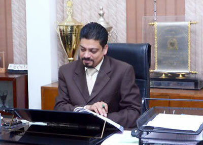 Hiệu trưởng Zubair Ahmed Khan. Ảnh: Hpssmartlibrary.