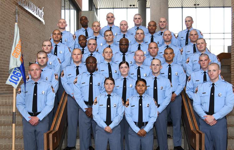 33 học viên cảnh sát tốt nghiệp của khóa 106. Ảnh: Georgia Department of Public Safety.