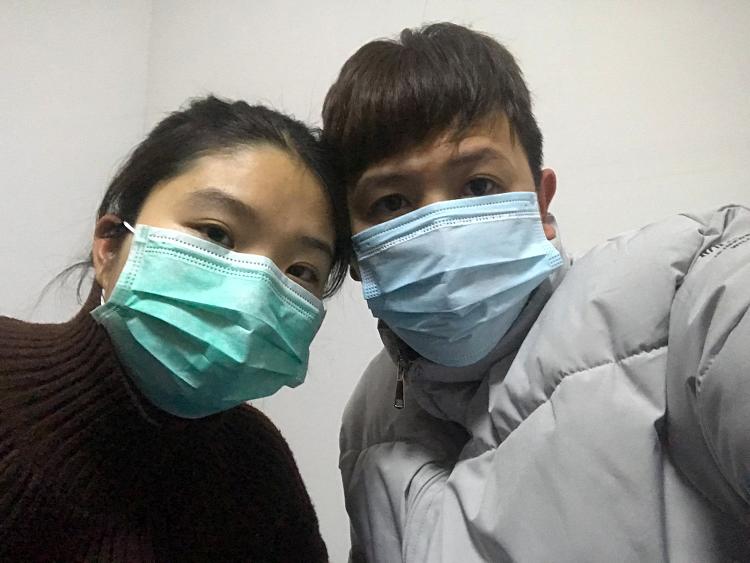 Vợ chồng anh Nguyễn Văn Phi. Ảnh: Nguyễn Phi