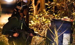 Trắng đêm vây bắt nghi can bắn chết 5 người