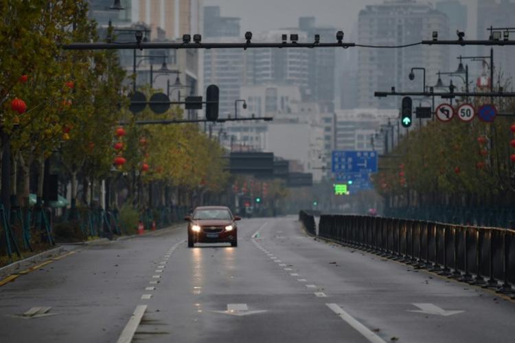 Đường phố vắng vẻ tại Vũ Hán, Trung Quốc ngày 28/1. Ảnh: AFP.
