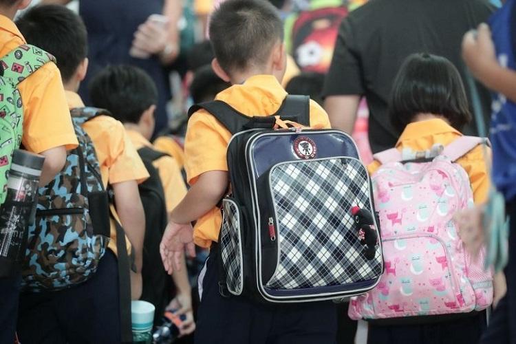 Hơn 850 học sinh, sinh viên được cho nghỉ vì trở về từ Trung Quốc.Ảnh: Kevin Chng/ Strait Times