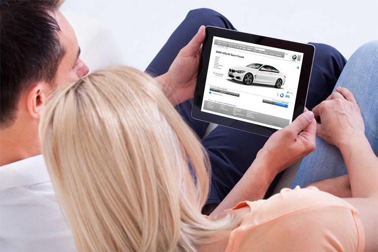 Đang ngày càng nhiều hãng xe áp dụng phương pháp bán xe online. Ảnh: BMW
