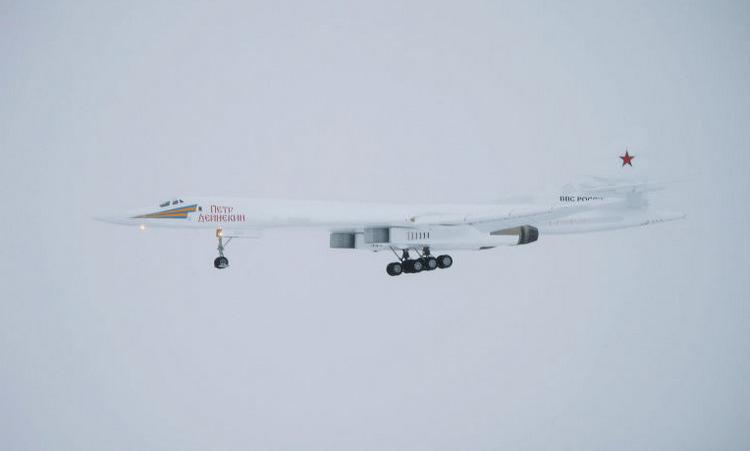 Chiếc Tu-160M bay thử hôm 2/2. Ảnh: Sputnik.