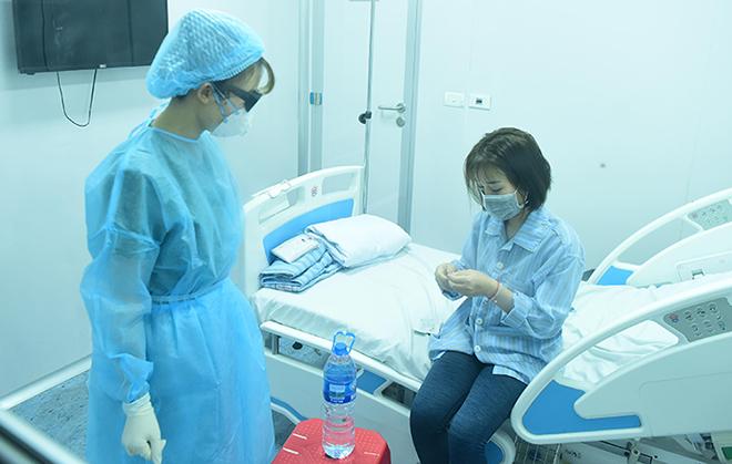 Bệnh nhân viêm phổi do nCoV được điều trị cách ly tại Bệnh viện Bệnh Nhiệt đới Trung ương cơ sở Đông Anh, Hà Nội, chiều 31/1. Ảnh: Giang Huy.