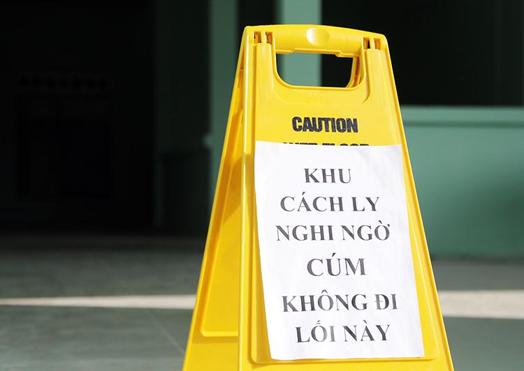 Những bệnh nhân sốt, ho cách ly tại Bệnh viện Nhiệt đới Khánh Hòa. Ảnh: Xuân Ngọc.