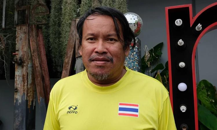 Ae, nhan viên x? h?i c?a t? ch?c Mirror Foundation ? Bangkok. ?nh: SCMP.