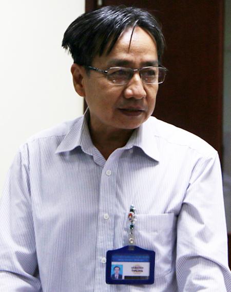 Ông Lê Duy Tân tại buổi  tập huấn phòng chống nCoV trong trường học. Ảnh: Mạnh Tùng.