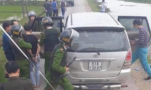 Cảnh sát truy đuổi ôtô chở ma túy