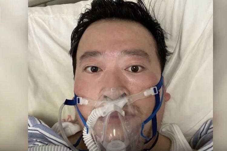 Bác sĩ Lý Văn Lượng trong bệnh viện sau khi nhiễm nCoV. Ảnh: Weibo.
