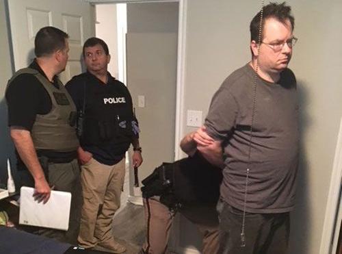 Richard bị bắt quả tang tại nhà riêng. Ảnh: Collin County Sheriffs Office.