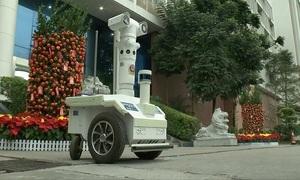 Robot 5G tuần tra 'quét' thân nhiệt ngăn lây nhiễm nCoV