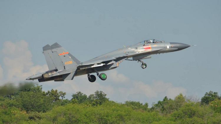 Một chiếc J-11A cất cánh tham gia diễn tập. Ảnh: RTAF.