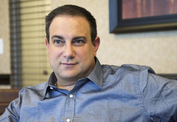 Martin Tankleff được trả tự do vào năm 2007, sau 17 năm bị kết án oan. Ảnh: Howard Schnapp.