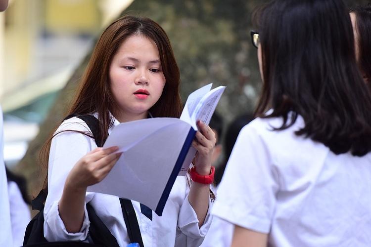 Thí sinh tham dự kỳ thi THPT quốc gia 2017. Ảnh: Giang Huy