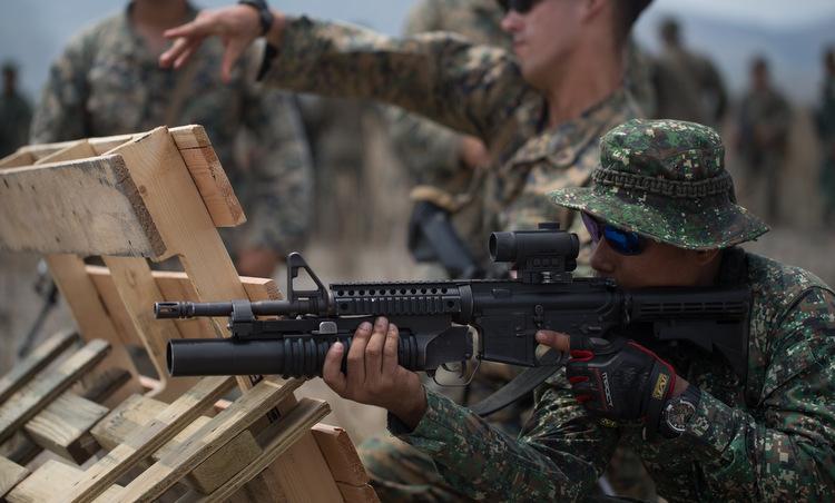 Lính Philippines diễn tập với binh sĩ Mỹ đầu năm 2019. Ảnh: USMC.