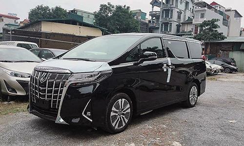 Một mẫu Toyota Alphard đời 2019 tại đại lý. Ảnh: Toyota Pháp Vân