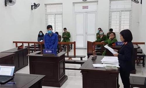 Bị cáo Phương tại phiên tòa ngày 13/2. Ảnh: Xuân Hoa