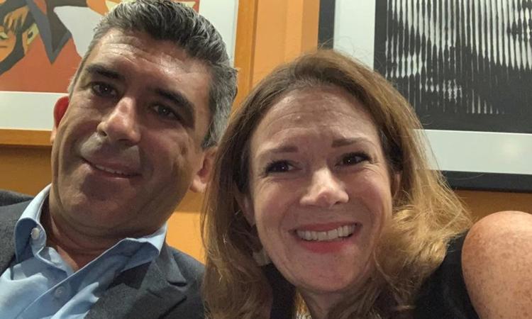 Christina Kerby (phải) và chồng Tony Martin-Vegue chụp năm 2019. Ảnh: Washington Post.