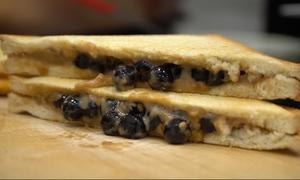 Bánh mì nướng kẹp trân châu