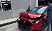 Mazda3 toác đầu khi thử phanh tự động