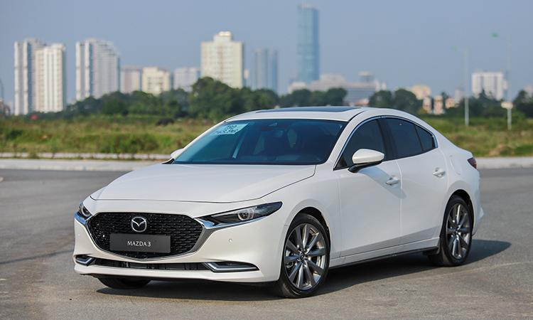 Mazda3 phiên bản sedan thế hệ mới tại Hà Nội. Ảnh: Lương Dũng